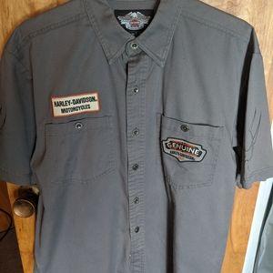 Harley Davidson size medium button up shirt sleeve
